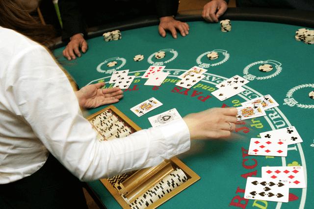 オンラインカジノでブラックジャックをクールにプレイする方法